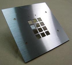 【レーザー加工のベルテックレーザ株式会社】「ステンレス(2B・バネ・HL研磨・鏡面・他)」です。
