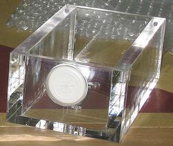 【レーザー加工のベルテックレーザ株式会社】「アクリルケース」です。