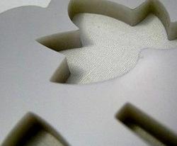 【レーザー加工のベルテックレーザ株式会社】「色板不透明アクリル・厚みのあるアクリル樹脂・葉」です。