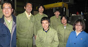 【レーザー加工のベルテックレーザ株式会社】取締役工場長 落合政彦とスタッフです。